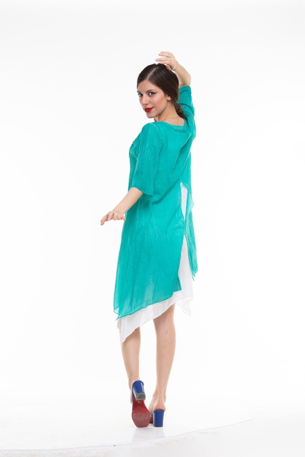 Yırtmaç Detaylı Uzun İtalyan Elbise
