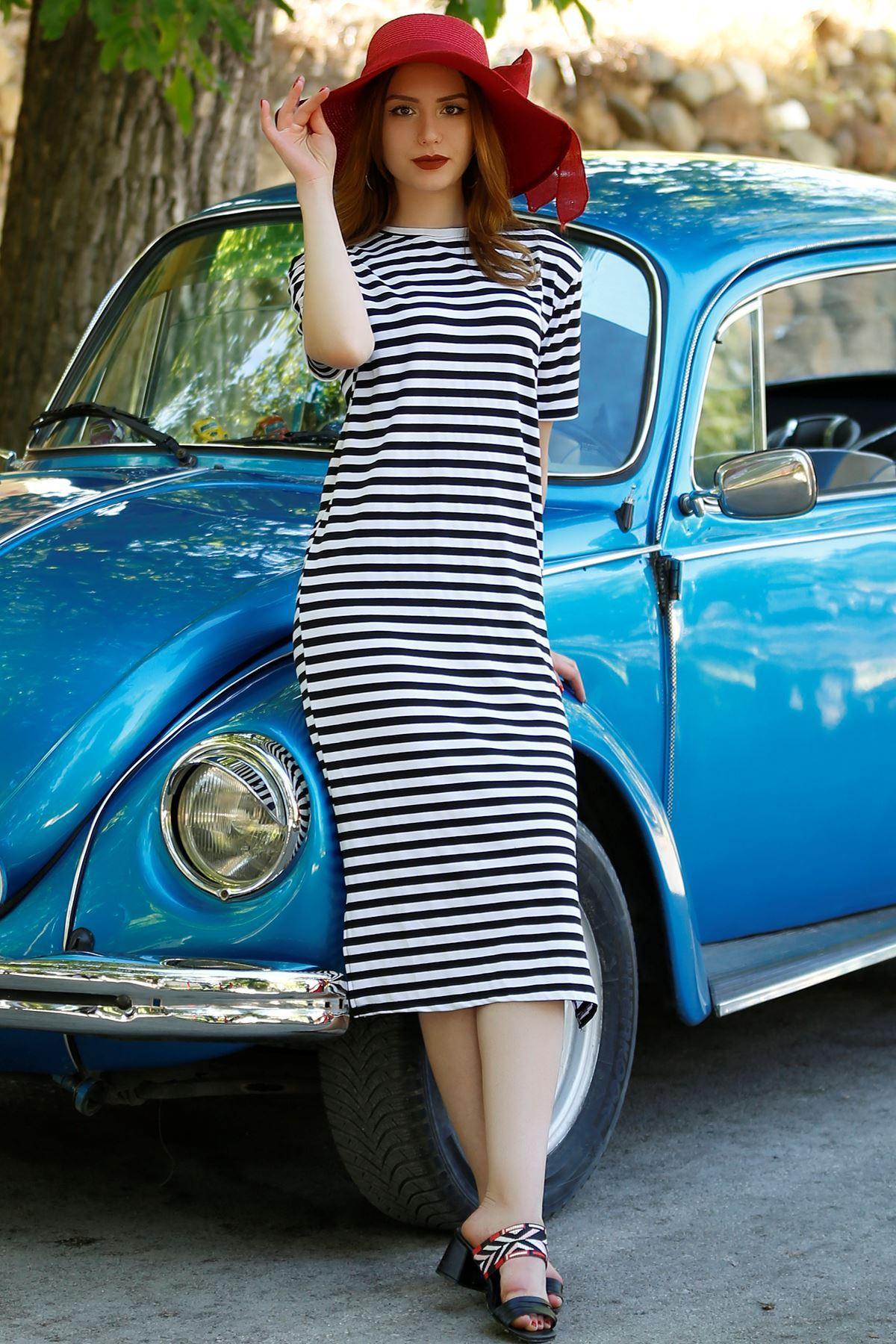 Çizgili Elbise Siyahbeyaz - 4026.148.