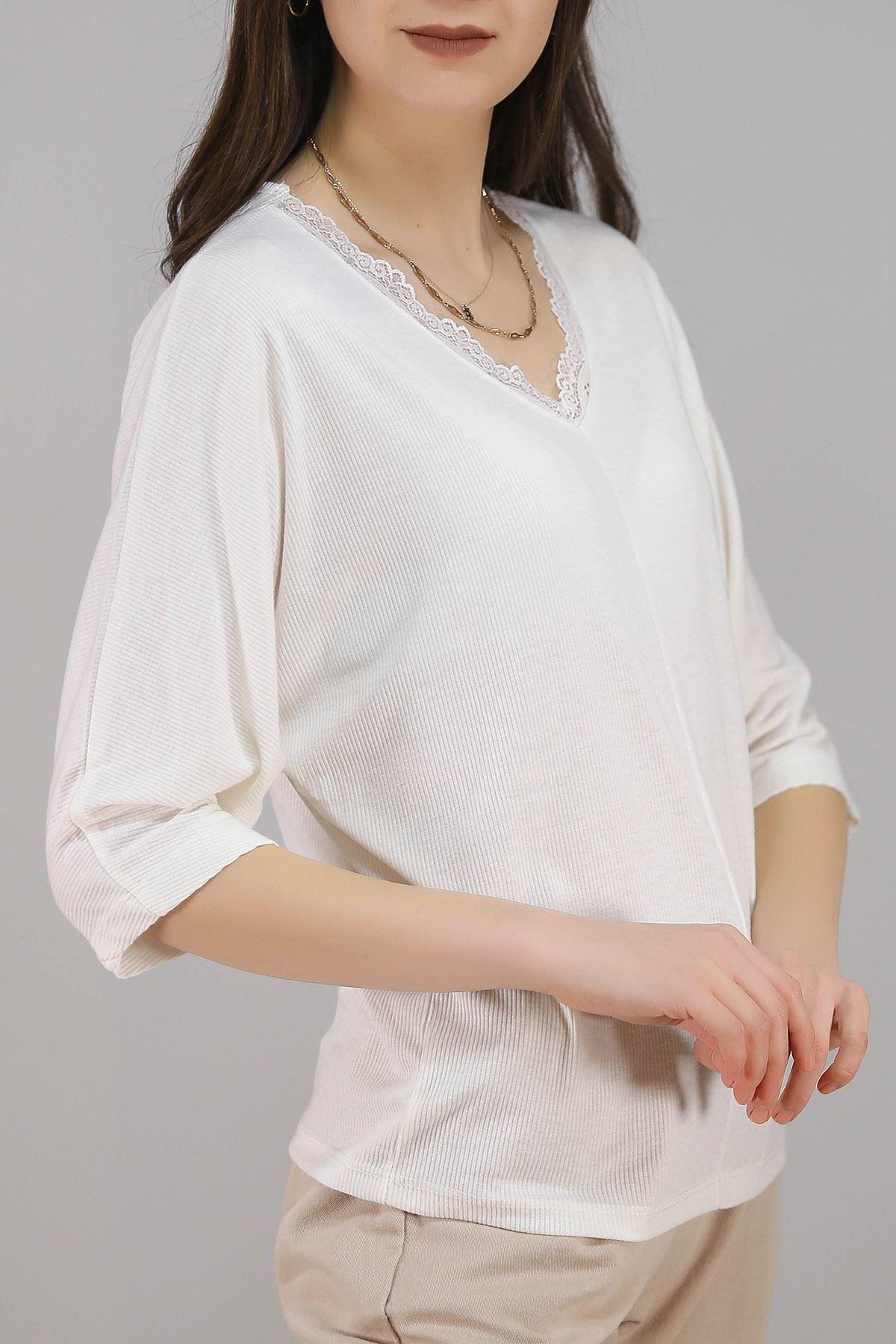 Yaka Dantelli Bluz Beyaz - 3331.222.