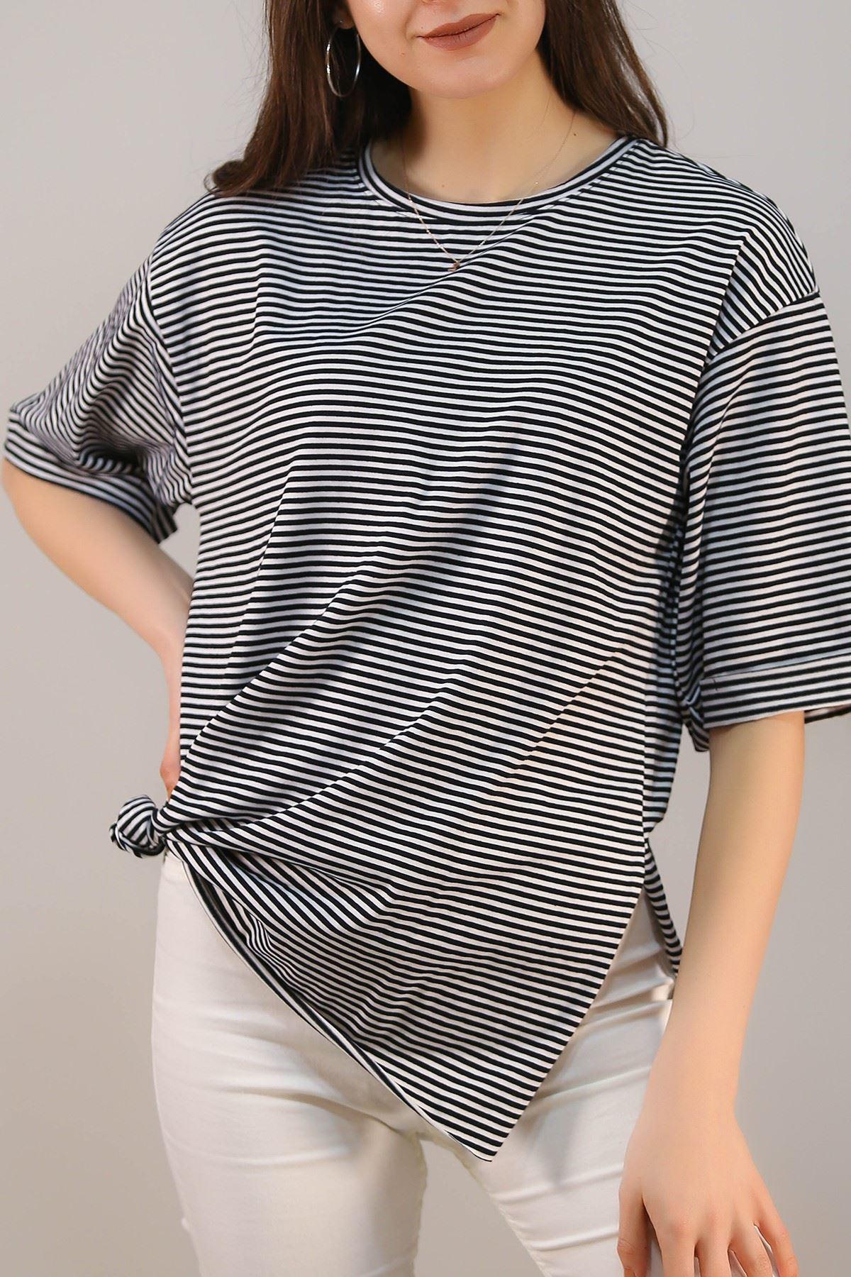 Çizgili Yırtmaçlı Tişört Siyah - 4993.336.